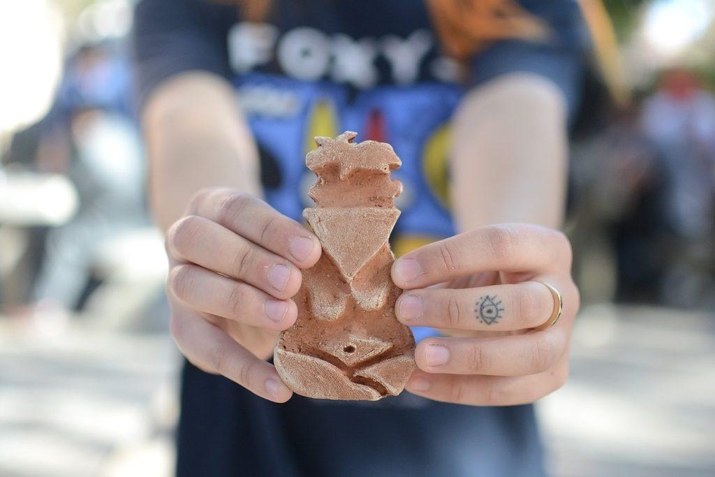 C(s)er antros. Pensar y crear cuerpos en cerámica